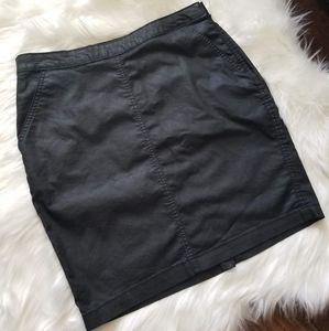 Cute Black Skirt Banana Republic, Size 31 / 12